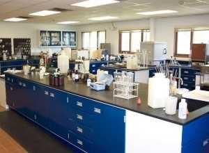 آزمایشگاه پاتوبیولوژی شرق